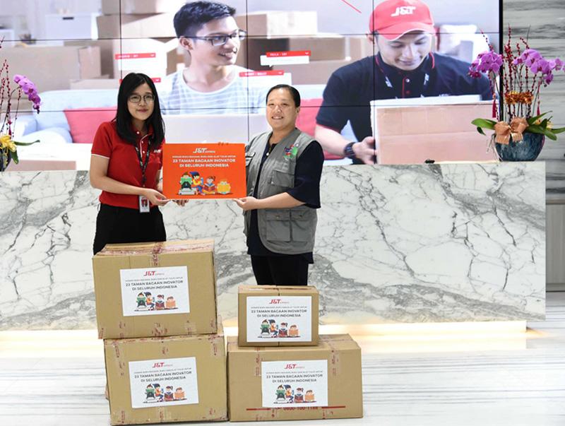 Dukung Minat Baca, J&T Express Donasikan 8000 Buku