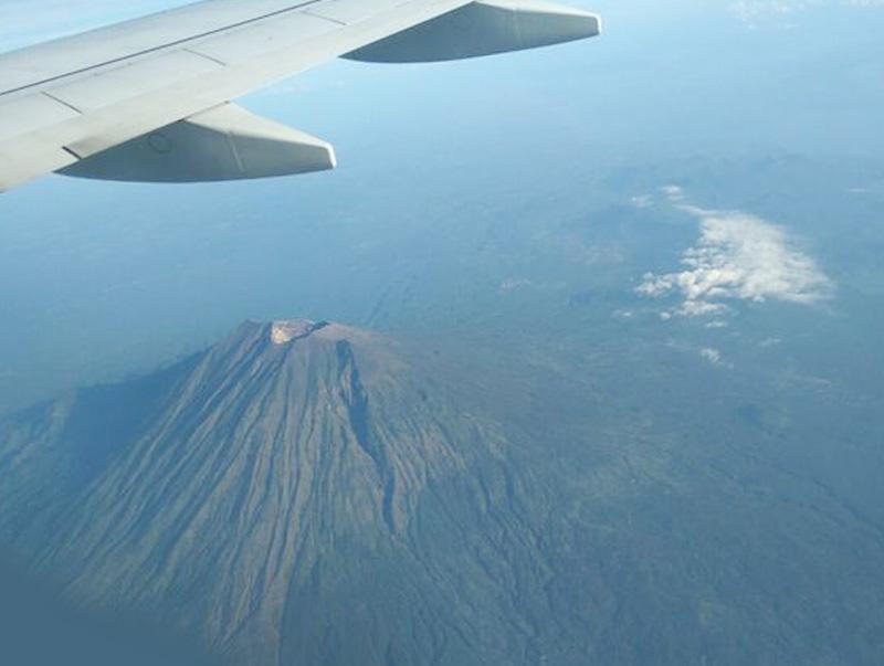 Erupsi gunung Agung Tidak Pengaruhi Penerbangan