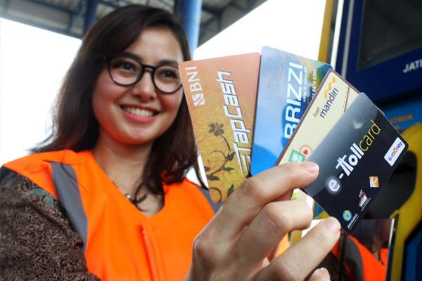 Jasa Marga dan Himbara Resmi Operasikan Kartu E-toll Bersama transportasi.co600 × 400Search by image Transportasi.co | Himpunan Bank Milik Negara (Himbara) dan PT Jasa Marga (Persero) Tbk resmi meluncurkan kartu pembayaran tol elektornik (e-toll) bers