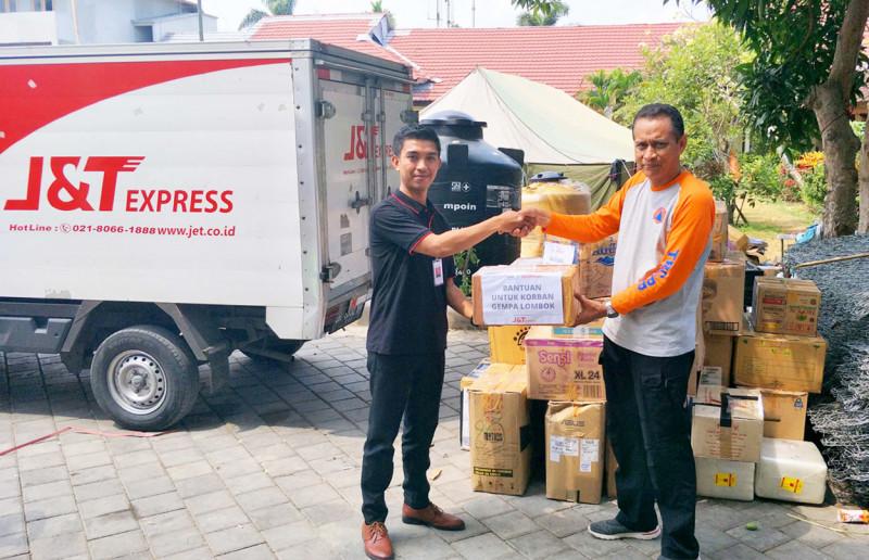 J&T Express Salurkan 400 Kg Bantuan Untuk Korban Gempa Lombok