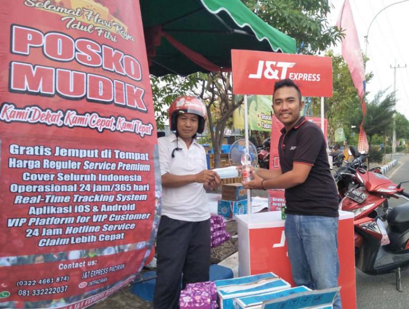 J&T Express Semarakan Ramadan Bagi Masyarakat