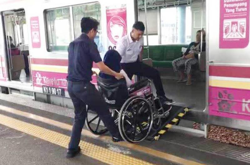 Kereta Commuter Indonesia Menambah Layanan Disabilitas