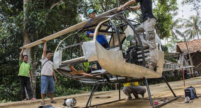 Kesal Dengan Macet, Montir Bengkel Bikin Helikopter