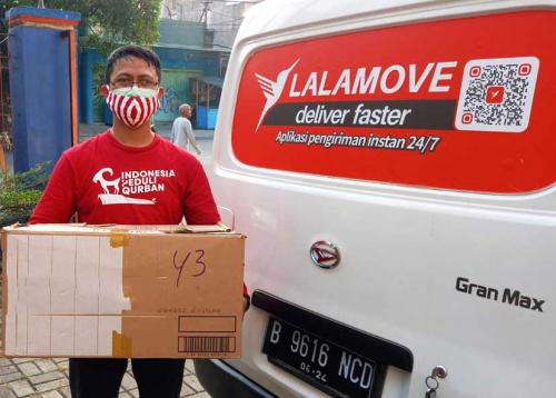 Kolaborasi Lalamove dengan ACT Bandung dan DT Peduli Mengantarkan Daging Kurban