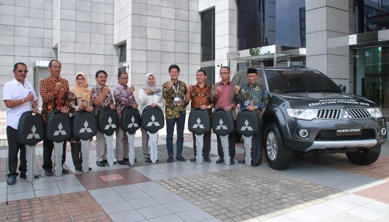 Mitsubishi Donasikan 9 Unit Kendraan Untuk Pendidikan di Indonesia