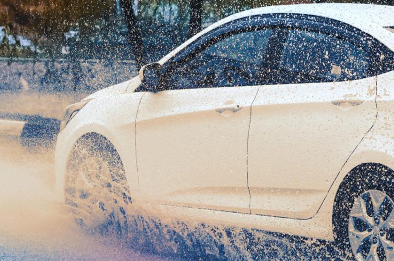 Mobil Listrik Dirancang Tahan Menerobos Hujan