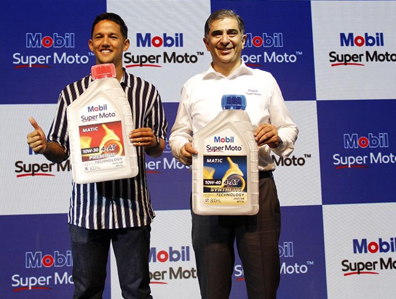 Mobil Super Moto, Oli Motor Berperforma Tinggi