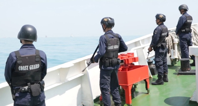 Patroli Penanganan Tumpahana Minyak Di Tanjung Karawang