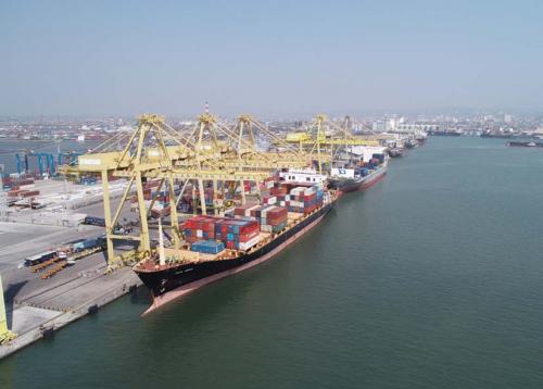 Pelindo III Catat Pertumbuhan Arus Kapal dan Barang