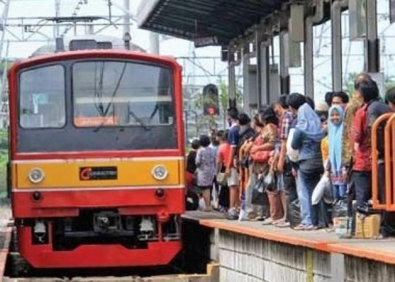 Tingkatkan Pelayanan Kapasitas Angkut, Penumpang KRL Tembus Angka Satu Juta
