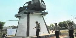 Rawan Kecelakaan, Polres Bangkalan Bangun Monumen Laka di Suramadu